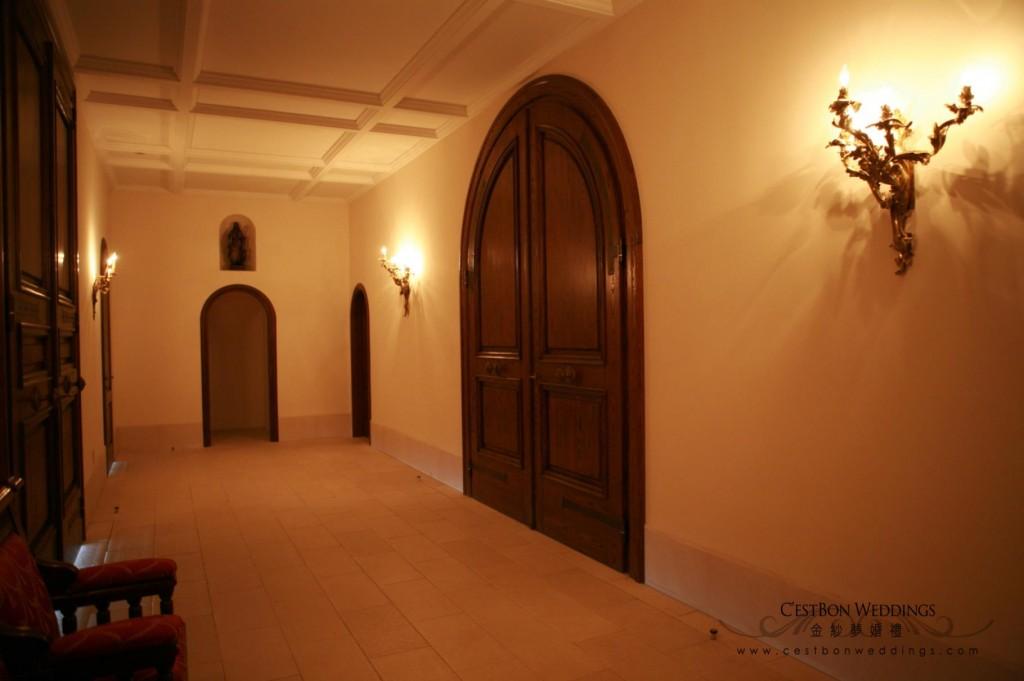 進入大禮堂前