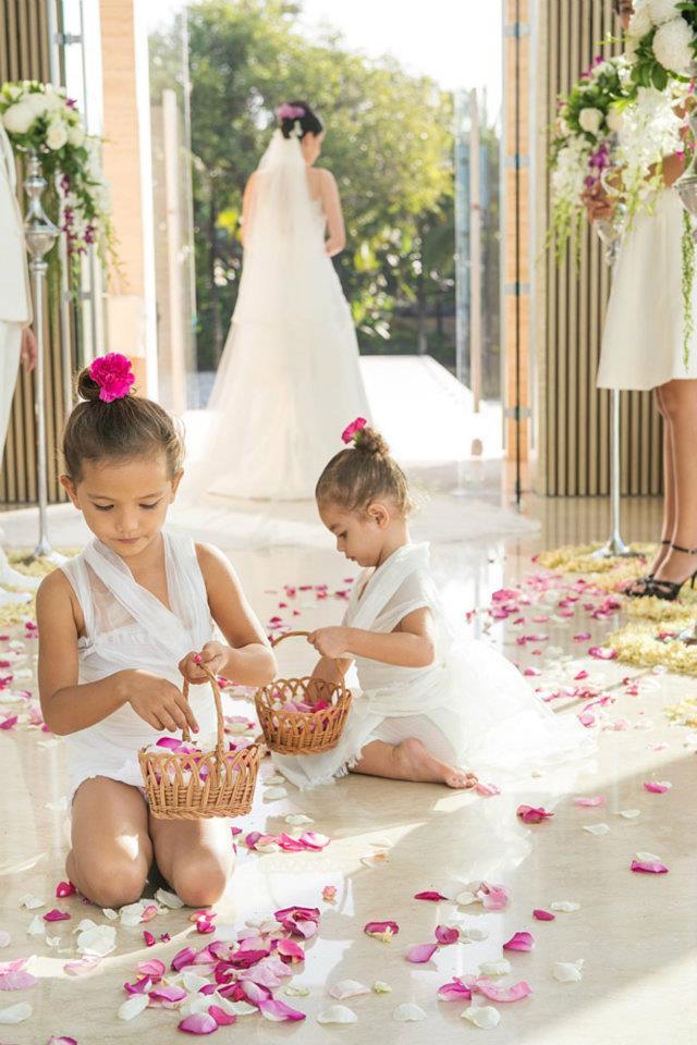conrad-flowergirls